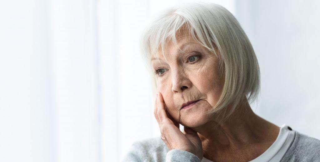 ältere Frau mit PTBS